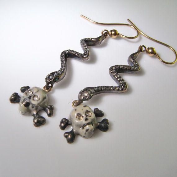 Boucles d'oreilles de bijoux Renaissance géorgienne pré serpent boucles d'oreilles tête de mort boucles d'oreilles serpent bijoux Diamond Drop boucles d'oreilles 18K or argent Momento Mori