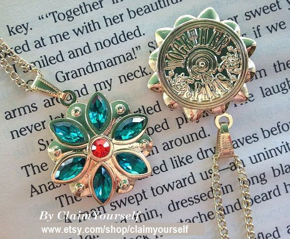 New Design Together In Paris Necklace Anastasia Flower Key Charm Engraved Cubic Zirconia Emerald Siam Gold Plated 18K #4