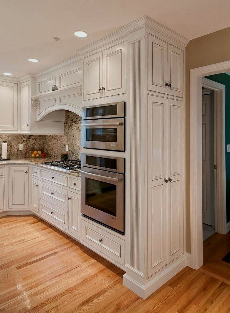When You Look At The White Kitchen Cabinet Photos And Videos Being Displayed At The Websites Of Custom Kitchen Cabinets Cherry Cabinets Kitchen Kitchen Layout