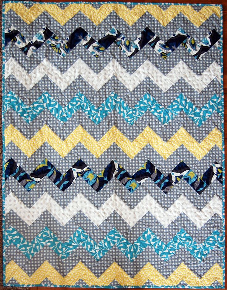 Zig Zag Quilt Pattern No Triangles : Zig Zag Chevron Quilt using only rectangles- no sewing triangles! Quilts We ve Made ...