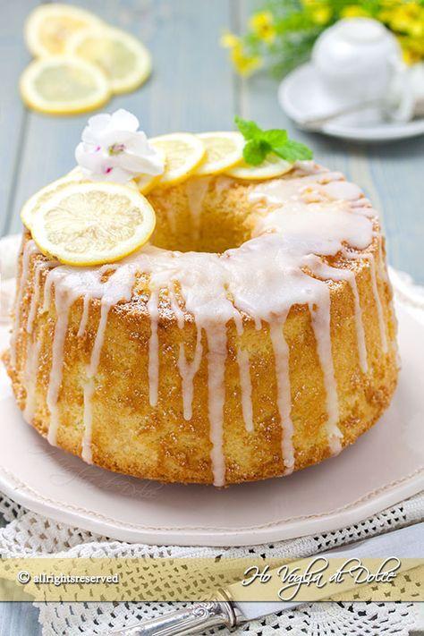 Chiffon cake al limone, il ciambellone americano alto e sofficissimo. Una ricetta perfetta per la colazione, la merenda, con succo e glassa al limone.