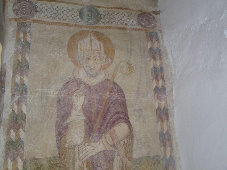 Rakacaszend Arpadkori templomanak falfestmenyeit 2 utemben pingaltak. Reszben 1650-es evekben, masreszt az1820-as evek alatt.