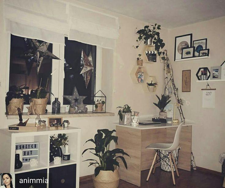 from @animmia  -  Coraz bliżej święta!!!😀😀😀🌲🌲🌲 (Siła flasha LG G5) #LGG5 #livingroom #scandinaviandesign #scandi #interior123 #interior #decoration #myplace #instapic