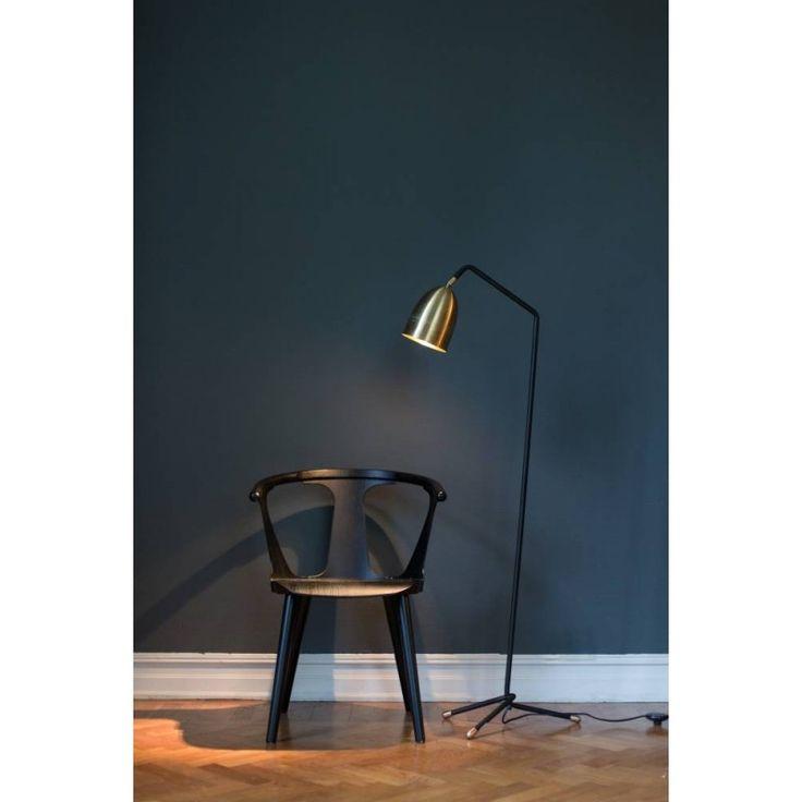 Veronika floor - black chair