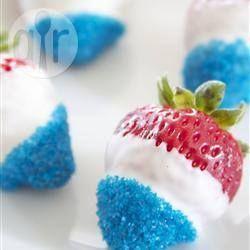 Rood-wit-blauw aardbeien recept - Recepten van Allrecipes - briljante tractatie zeker nu.