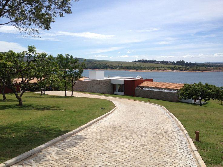 Gallery of Canyons do Lago House / Mutabile Arquitetura - 10