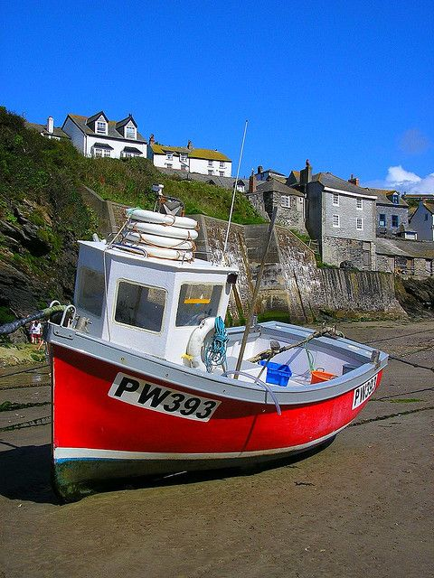 PORT ISSAC by Markles55 on Flickr [A beached fishing boat at Port Issac, North Cornwall]