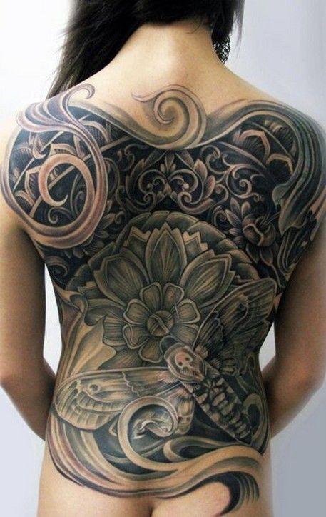 Узор с цветком и огромным мотыльком. Скачать тату фото, эскиз татуировки.