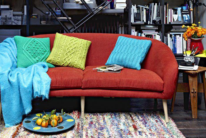 Des coussins colorés tricotés au point irlandais