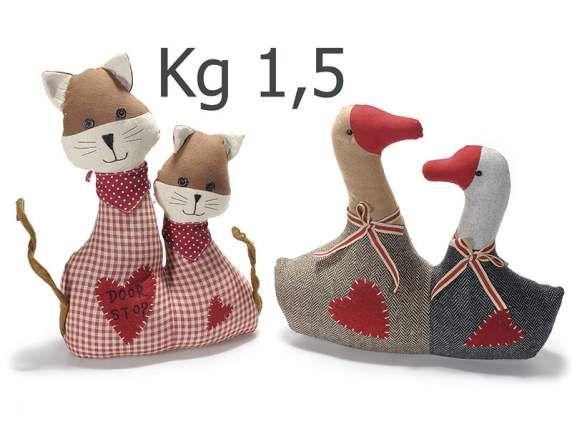A Natale Non sai cosa regalare , ecco qua un' idea che durerà...anche d' estate !   http://www.idea-piu.com/store/1/ferma-porta-paraspifferi-953