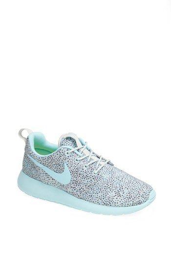 Floral Roshe Run - Best Prix Nike Femmes Fonctionnement Sneaker Nike Roshe Run With Fluorescent Vert Luxurious Comfort Nike Réduction Réduit