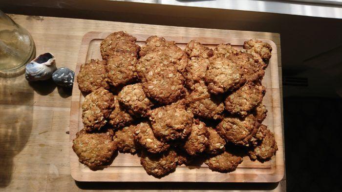 Opskrift på Amanda Thylkjærs havregryns-cookies med mandler - der ser sundere ud end de er