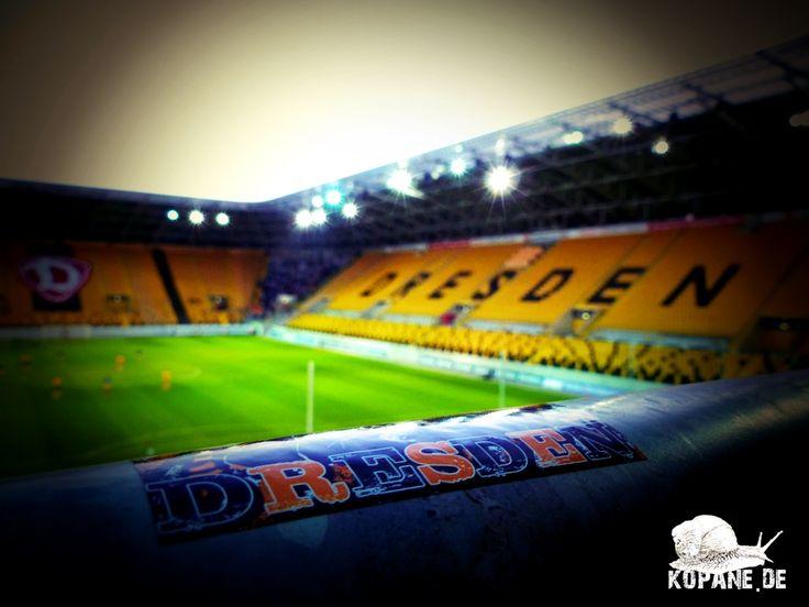 27.08.2014 SG Dynamo Dresden e.V. II – 1. FC Lokomotive Leipzig e. V. http://www.kopane.de/27-08-2014-sg-dynamo-dresden-e-v-ii-1-fc-lokomotive-leipzig-e-v/  #Groundhopping #football #soccer #calcio #kopana #fotbal #Fussball #Fußball #SGDynamoDresden #DynamoDresden #Dynamo #Dresden #SGD1953 #SGD #FCLokomotiveLeipzig #LokomotiveLeipzig #LokLeipzig #LOK #Leipzig