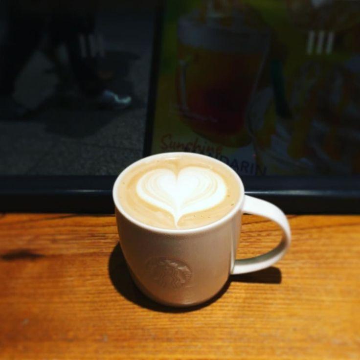 ショートラテ スタバでラテアートは珍しくない #スターバックス #東京スカイツリー #カフェ #cafe #押上