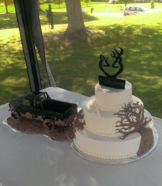 hillbilly wedding cake best 25 wedding cakes ideas on camo 15235