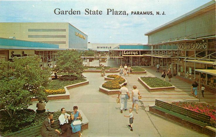 Westfield Garden State Plaza is located at the intersection of Garden State Parkway/Route 4 and Route 17 in southern Paramus. Parking: NE side near entrance 5, between Nordstrom and Macy's. Public Transit: New Jersey Transit bus lines , , , and stop at Garden State Plaza.