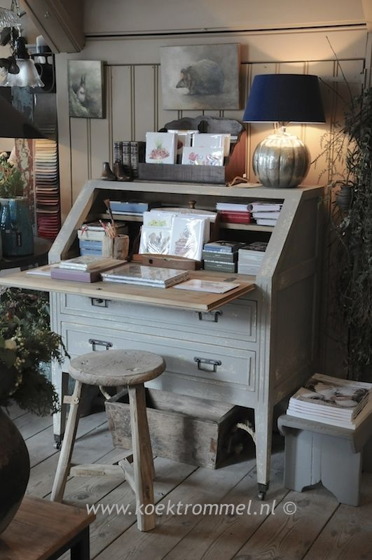secretaire bureau in zweedse stijl landelijke schilderij pinterest. Black Bedroom Furniture Sets. Home Design Ideas