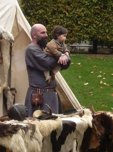 Viking father and baby from Fingal Living HIstory by Esther Moliné, via Flickr