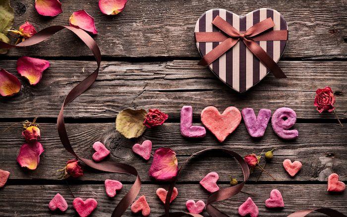 Offrez votre amour à vos bien aimés avec une citation amour positive et gaie! Une sélection de collages uniques et impressionnants avec phrases cool ici...