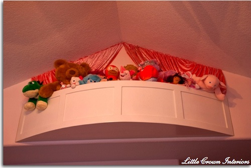 A balcony for stuffed animals. MUST MAKE THIS!!! So freaking cute!