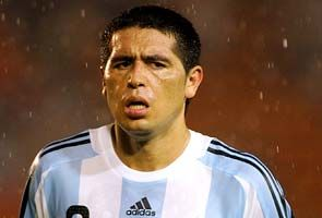 """Playmaker Juan Roman Riquelme is leaving Boca Juniors, saying he has """"nothing left to give"""" following the Argentine club's loss to Corinthinas in the Copa Libertadores final."""