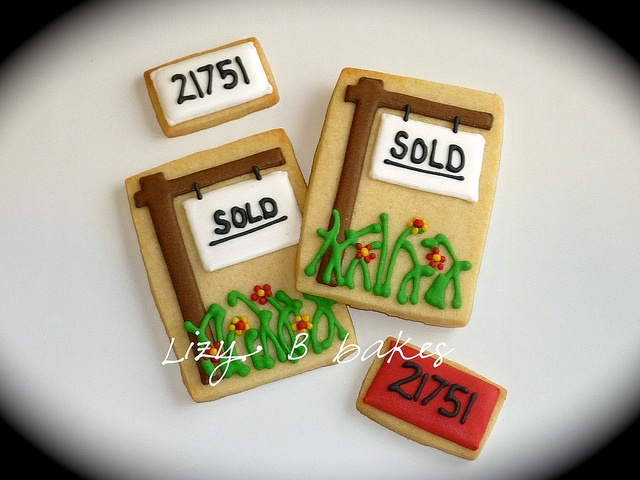 how to present cookies in an open house