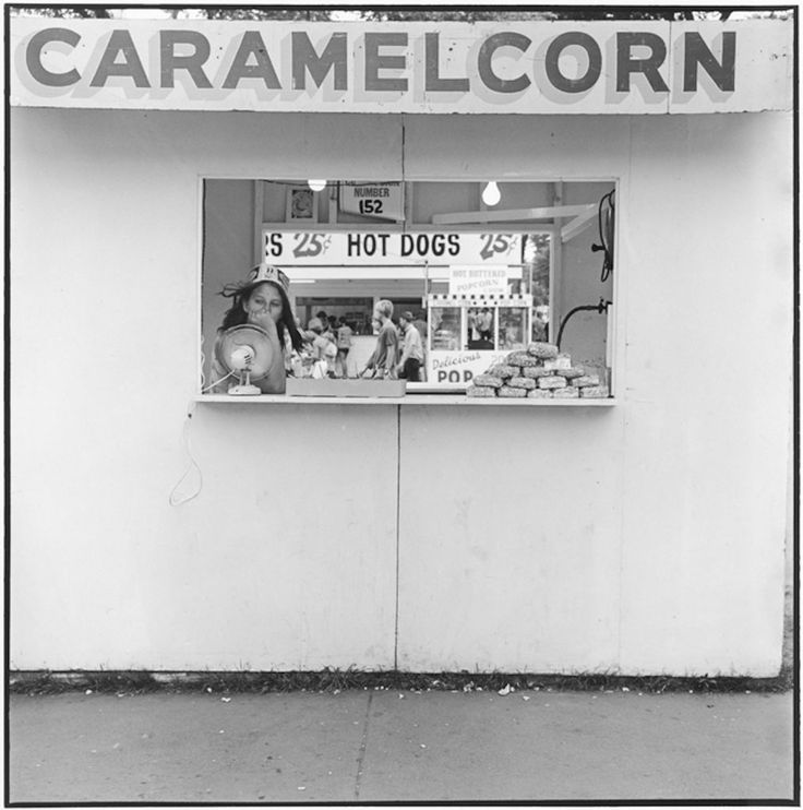 Caramel Corn, Minnesota St fair, St Paul Minnesota, 1973. Tirage gélatino-argentique moderne 27,9 x 35,3 cm N°1/15 ©Tom Arndt/Courtesy Les Douches La Galerie
