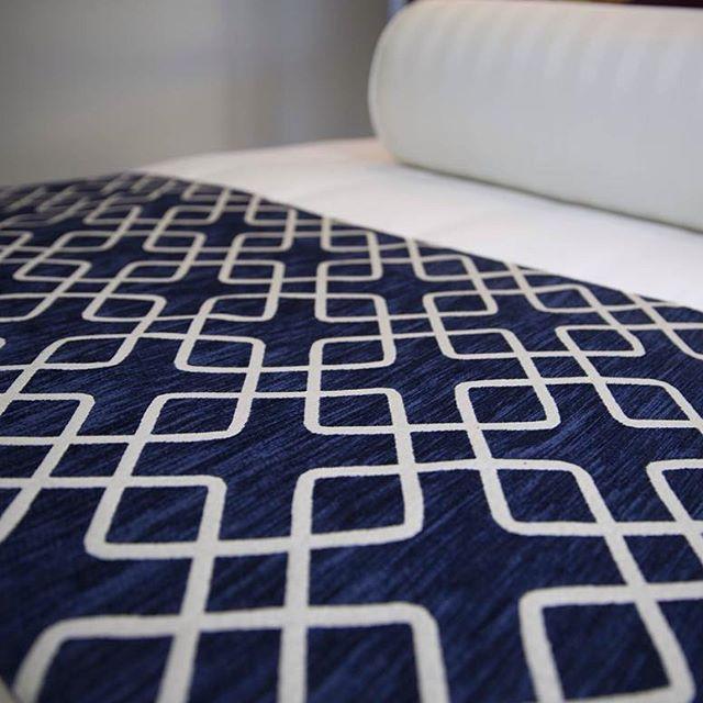 Bed Runners & Hugo Bolsters are dressing the beds at HotelHome HQ today....#hotelbed #hoteldesign #navyandwhite #geometric #upholstery #bedrunner #bolster #interiordesign #australianmade #hotelhomeaust #whitesheets #hampton #navy #navyandwhite
