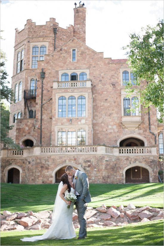 Glen Eyrie Castle #castlewedding #weddingchicks #weddingvenues http://www.weddingchicks.com/2013/12/18/colorado-wedding/