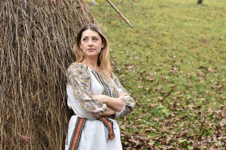 Izabela Mandoiu - Ia de la sat