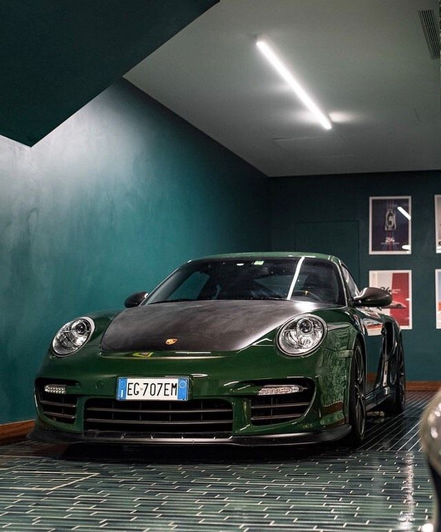 The Coolest Gt2 Rs Out There British Racing Green 21d By Automobili Amos Only Carrera997 Royale77 British Racing Green Racing Green Racing