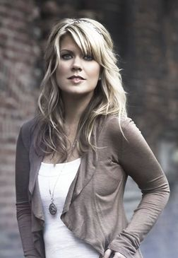 Natalie Grant has amazing vocals and is an amazing woman in general. She's beautiful inside and out. <3