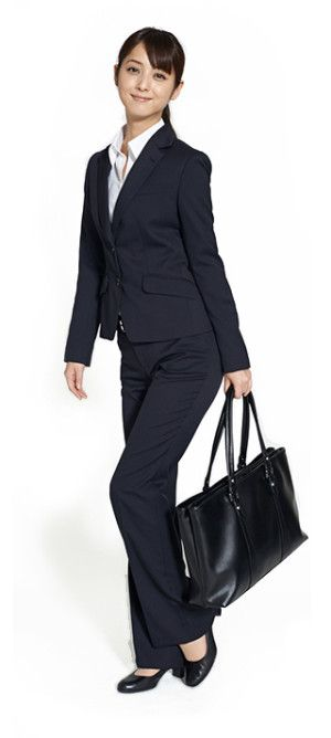 堅め企業以外は、パンツスーツも◎ 〜就活ファッション スタイルのアイデア コーデまとめ〜