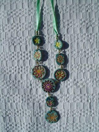 florish ceramic necklace