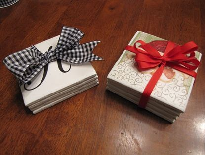 .: Teacher Gifts, Diy Coasters, Crafts Ideas, Gifts Ideas, Homemade Coasters, Handmade, Tile Coasters, Neighbor Gifts, Christmas Gifts