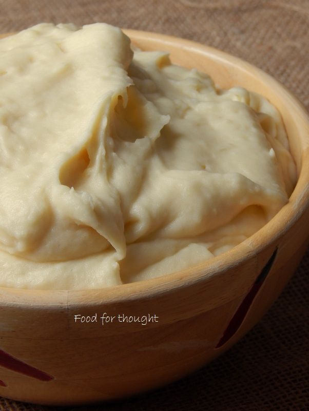 Πουρές πατάτας  http://laxtaristessyntages.blogspot.gr/2014/12/poures-patatas.html