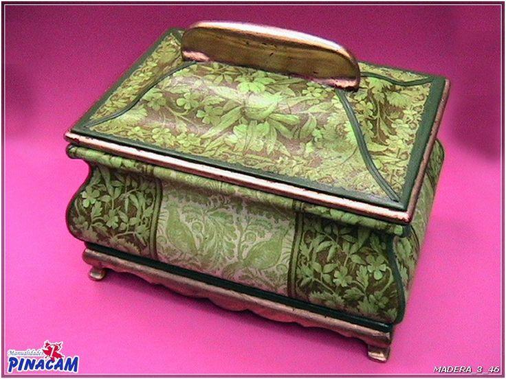 Caja decorada con servilletas por victoria manualidades - Manualidades cajas madera ...