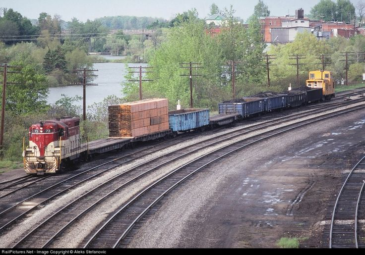 RailPictures.Net Photo: TH&B 73 Toronto Hamilton & Buffalo Railway EMD GP7 at Waterford, Ontario, Canada by Aleks Stefanovic