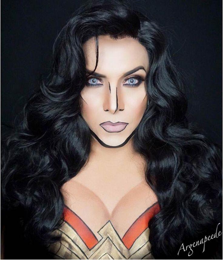 Dans la lignée des étonnants maquillages de Lianne Moseley, voici aujourd'hui les créations du makeup artist Argenis Pinal, qui utilise le body painting p