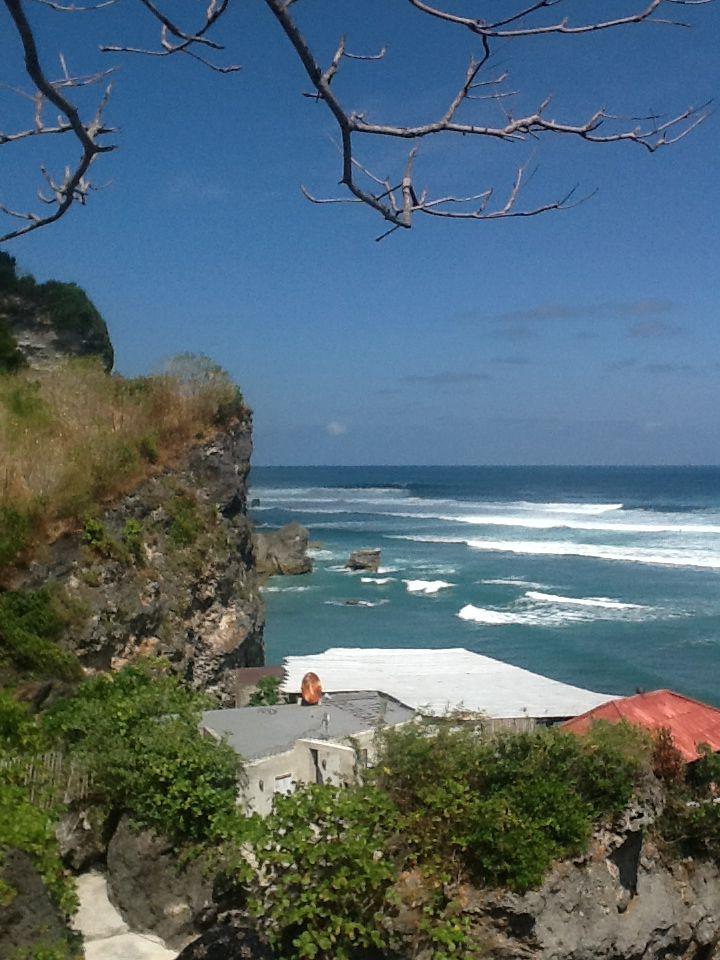 Nice view on the rocks (Uluwatu)
