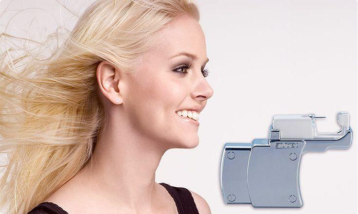 Przekłuwanie uszu przy użyciu produktów firmy Studex. Sprawdź na naszym blogu: http://blog.elarto.pl/poradnik/przekluwanie-uszu-przy-uzyciu-produktow-firmy-studex/