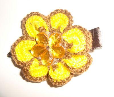 Χρυσό βελονάκι: Χειροποίητα πλεκτά τσιμπιδάκια λουλούδια