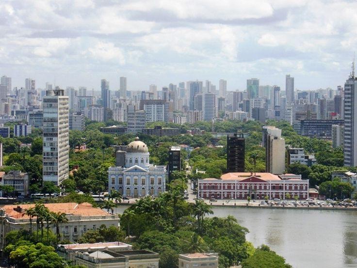 """Vista Panorâmica: """"Rio Capibaribe"""". """"Rua da Aurora"""" do outro lado do Rio. #Recife. Estado de Pernambuco, Brasil."""