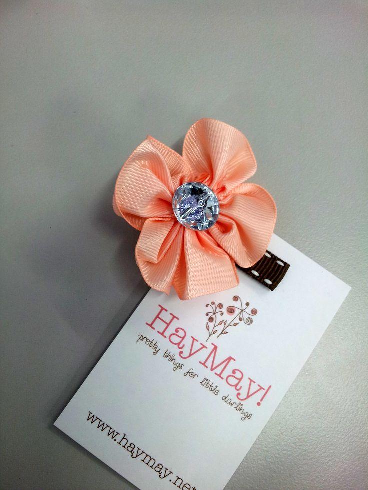 Apricot petals hair-clip