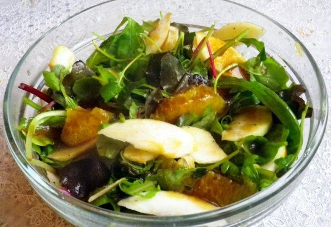 Téli saláta narancsos-balzsamecetes öntettel recept képpel. Hozzávalók és az elkészítés részletes leírása. A téli saláta narancsos-balzsamecetes öntettel elkészítési ideje: 10 perc