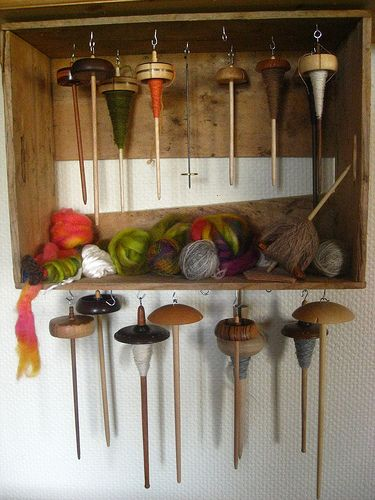 Good idea to store spindles !!! Make one from old drawer ...