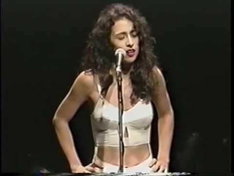Marisa Monte & Raphael Rabello - Cry Me a River - Heineken Concerts - RJ  1993