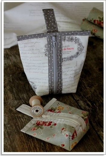 Jolies ces pochettes. got a simple pattern that could be made smaller or larger!!