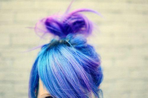 Azul e pontas roxas
