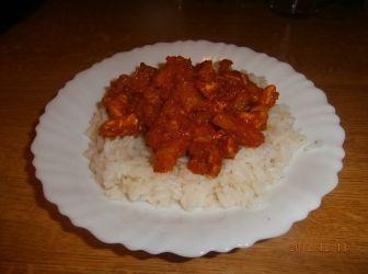 """""""Indiai"""" fűszeres csirke recept: Az indiai fűszerezésű ételek kedvelőinek ajánlom, remek fogás! Egyszerűen és gyorsan elkészíthető, és friss ananásszal az igazi! :-) http://aprosef.hu/indiai_fuszeres_csirke"""